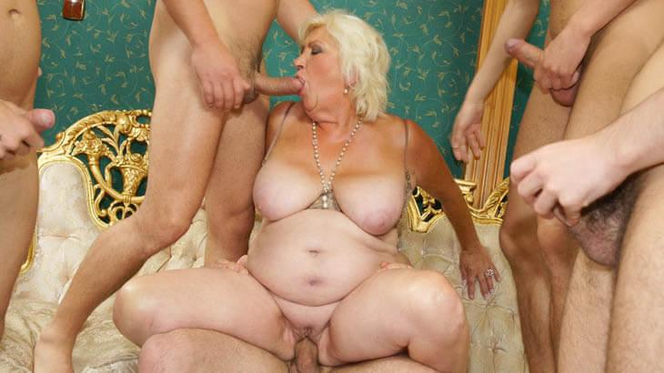 Perverses Sexvideo mit geile Granny Fotzen